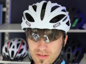 cycling-helmet-with-visor