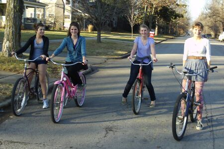girls_on_bikes